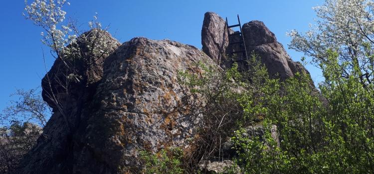 Титани създали хълма Голям Хасар край с. Сталево